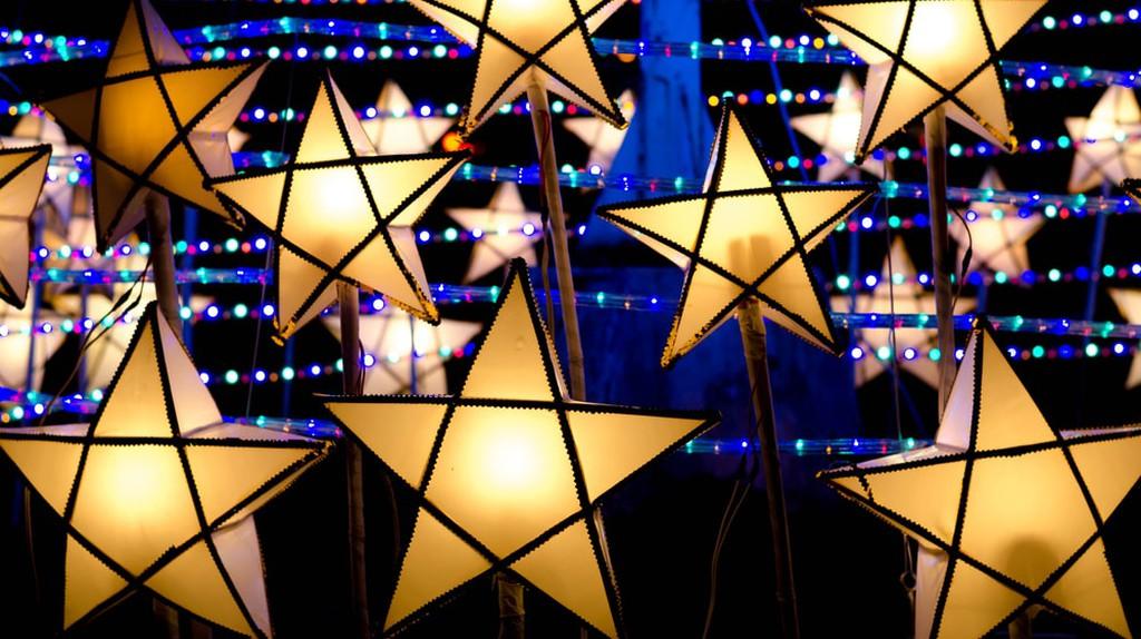 Christmas Parol lanterns light up The Philippines | © Wuttichai jantarak / Shutterstock