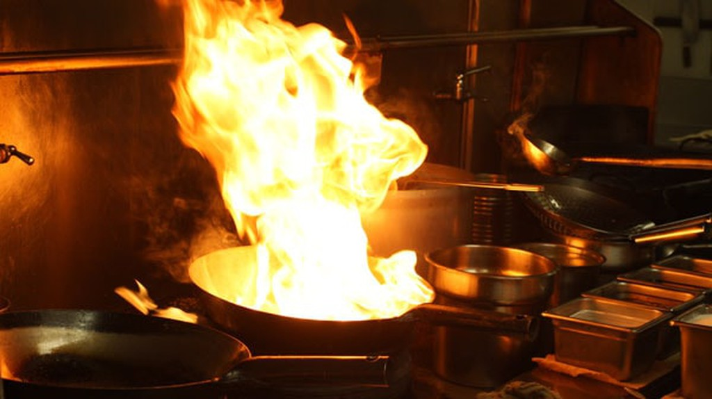 Fire in the Wok | © bl0ndeeo2 / Flickr