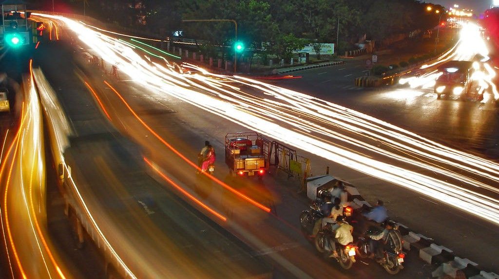 Traffic during the night in Chennai | © PlaneMad/Wiki Commons