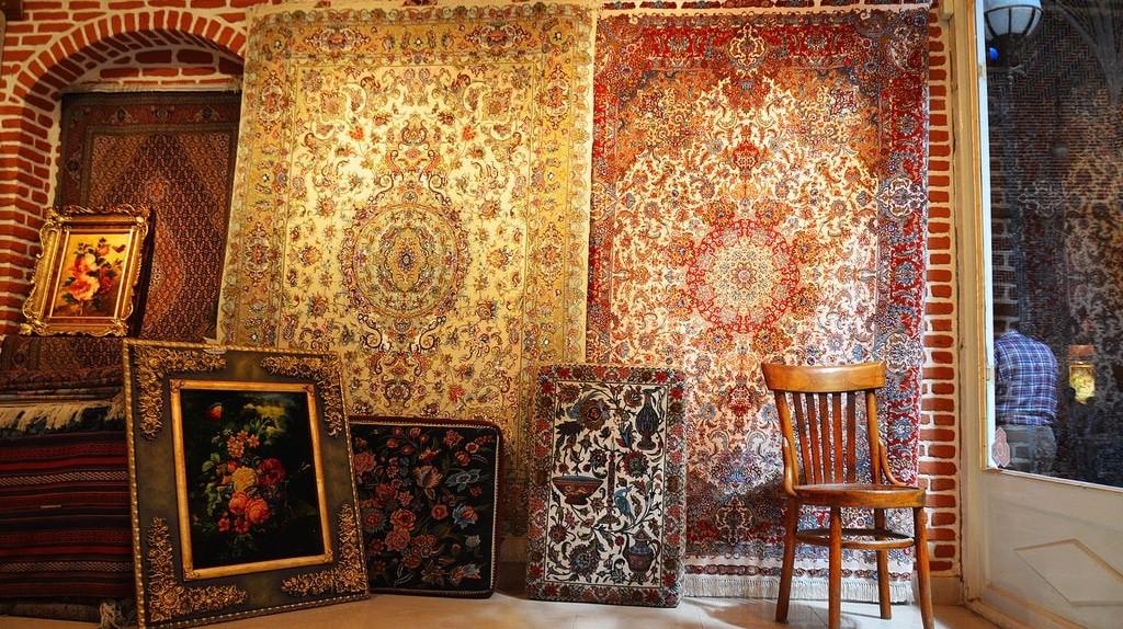 Carpet shop in the Grand Bazaar of Tabriz   ©Neeku / Flickr