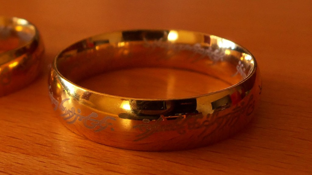 A replica of The One Ring | © Daniel Oines/Flickr