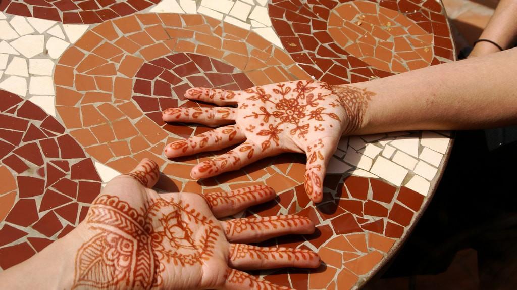 Stunning henna hand designs   © Zaki Manian / Flickr
