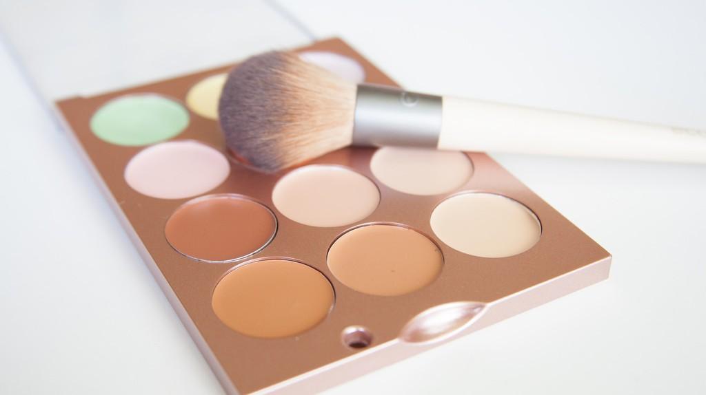 Makeup palette | © franchise opportunities / Flickr