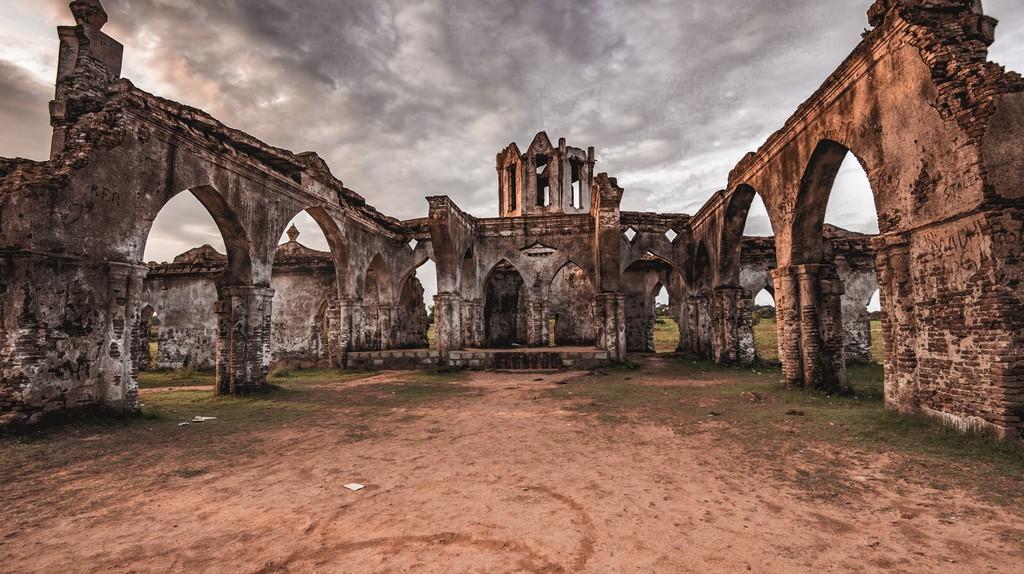 The ruins of Shettihalli Church in Karnataka, India   © Bikash Das / Flickr