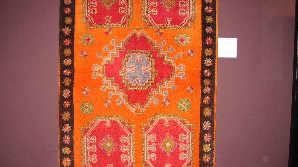 Berber carpet on display in a museum in Agadir | © Tadd and Debbie Ottman / Flickr