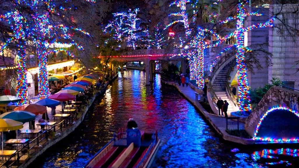 11 Places in the USA That Take Christmas to a Whole New Level