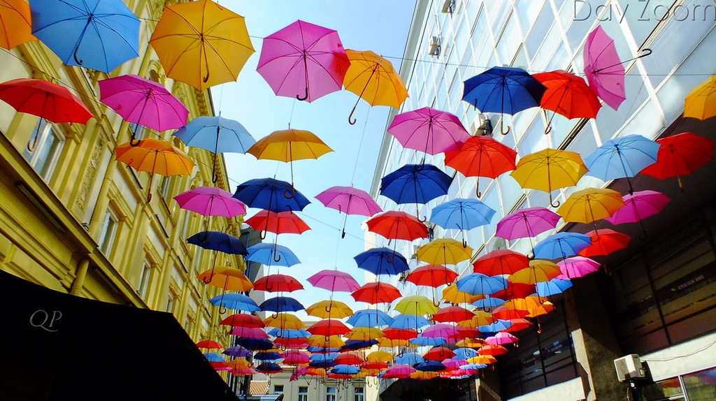 The colourful umbrellas of Belgrade's old town | © Day Zoom/flickr