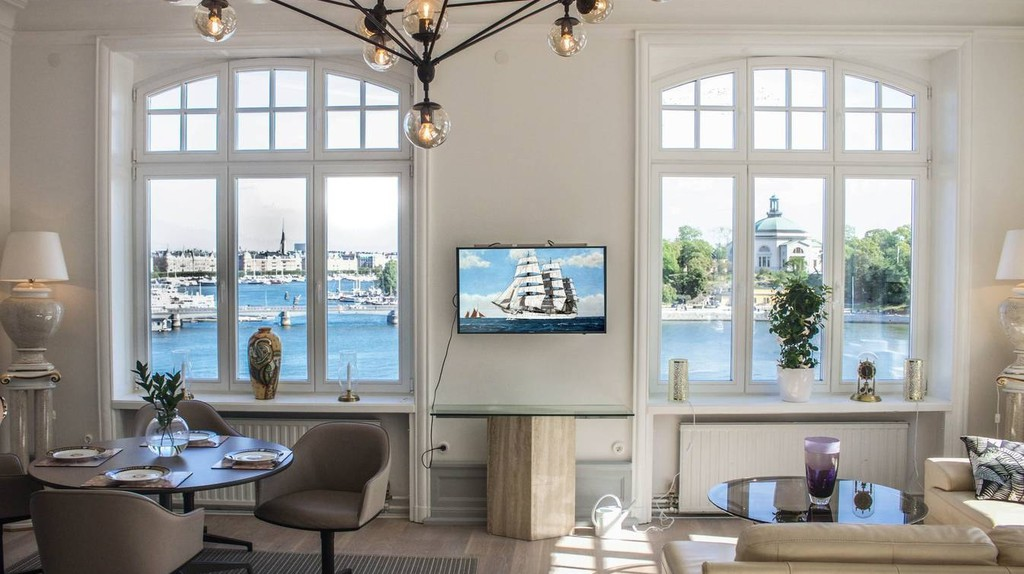 The amazing 'Royal View' in the heart of Stockholm │Courtesy of Simon / Airbnb