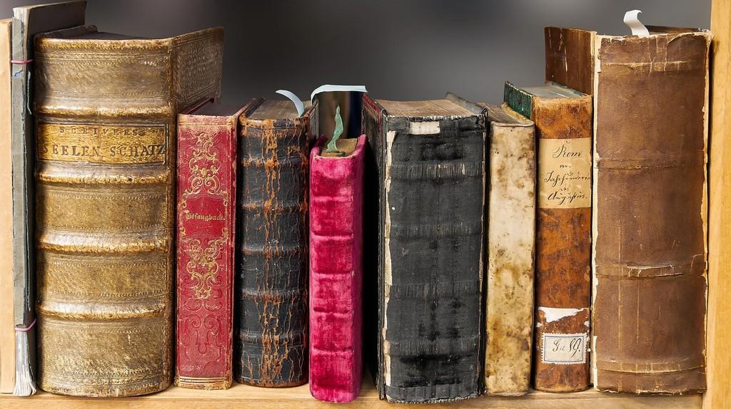 Old Book   © Pixabay