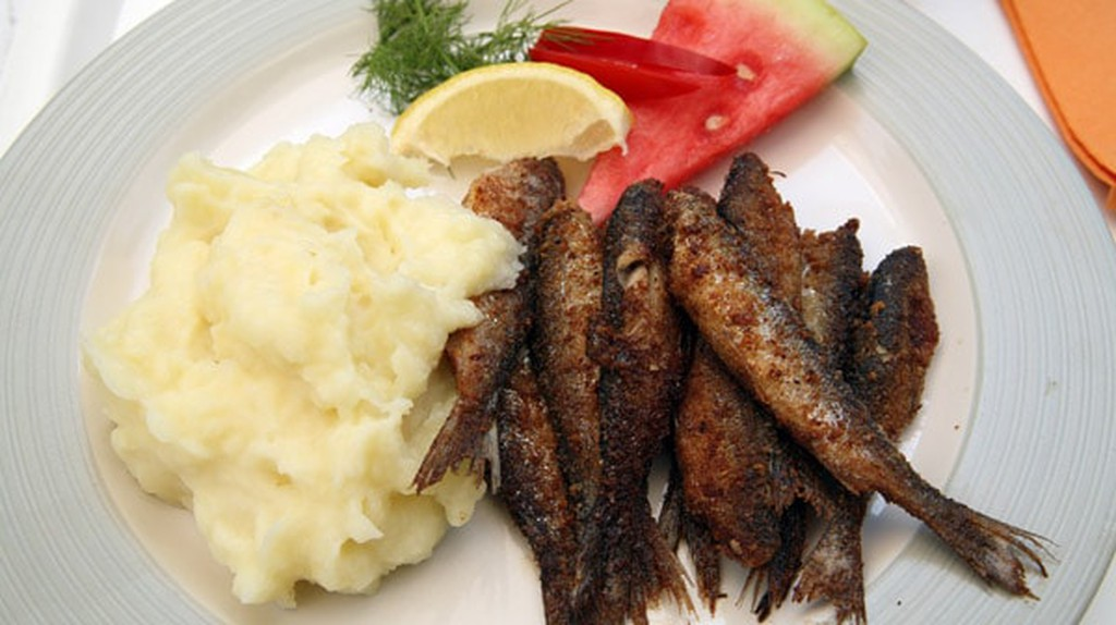 Fried vendace with mashed potatoes | © aiko99ann/WikiCommons