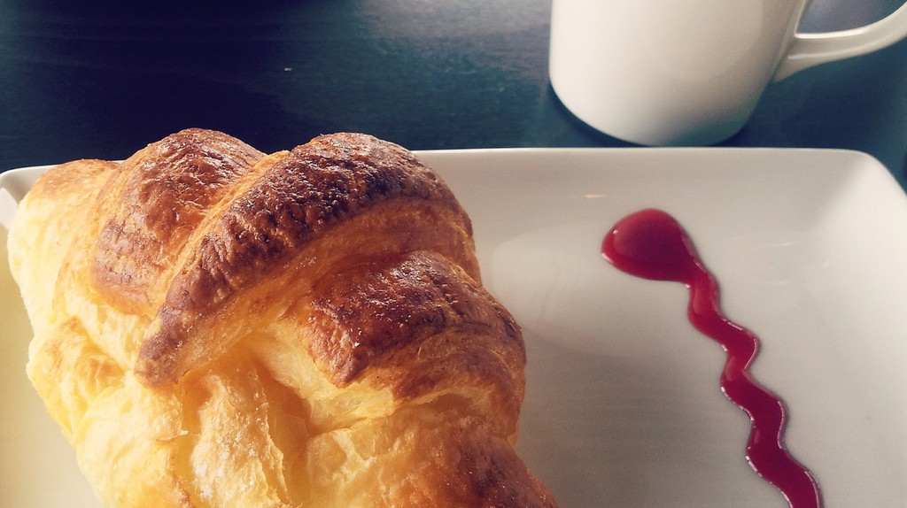 Croissant and coffee   © Baia Dzagnidze