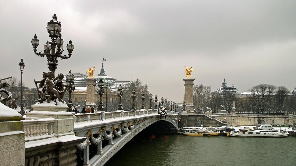 Paris in winter   Pixbabay