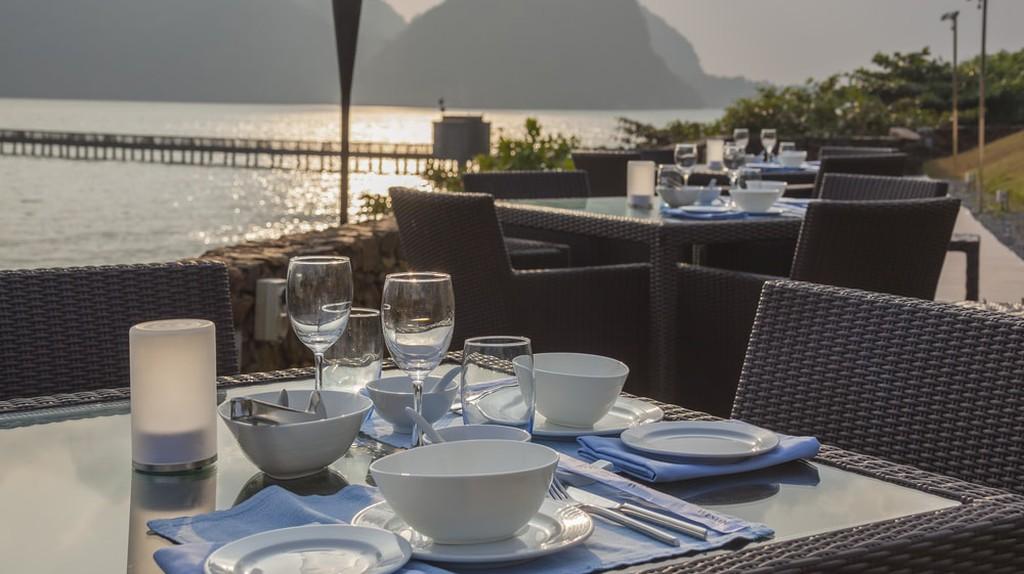 Restaurant in Langkawi with sunset view © Shandarov Arkadii/Shutterstock