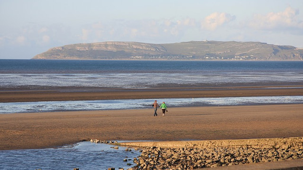 Llanfairfechan Beach | ©John Clerk / Flickr