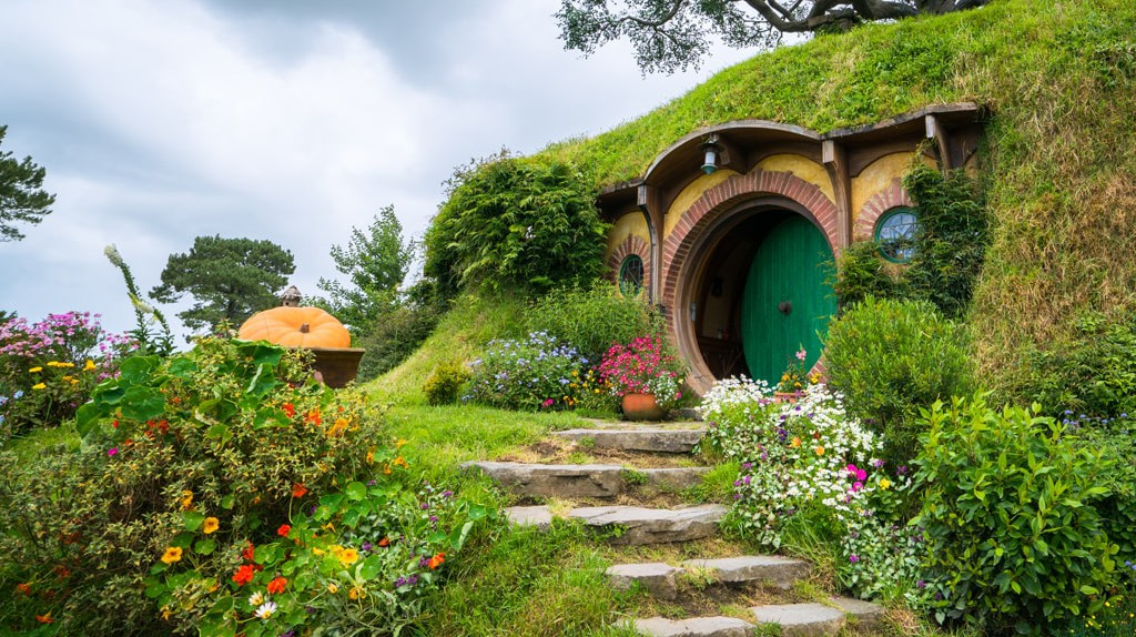 Hobbiton movie set, North Island, New Zealand | © Blue Planet Studio \ Shutterstock