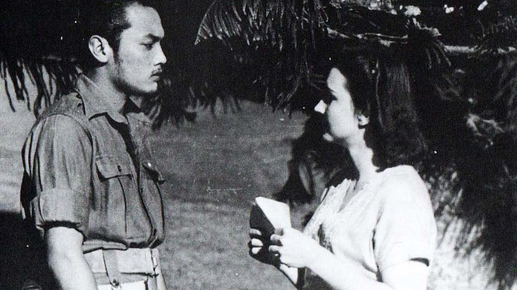 Sudarto (Del Yuzar) and Connie (Ella Bergen) in Darah dan Doa   © Crisco 1492/Wikimedia Commons