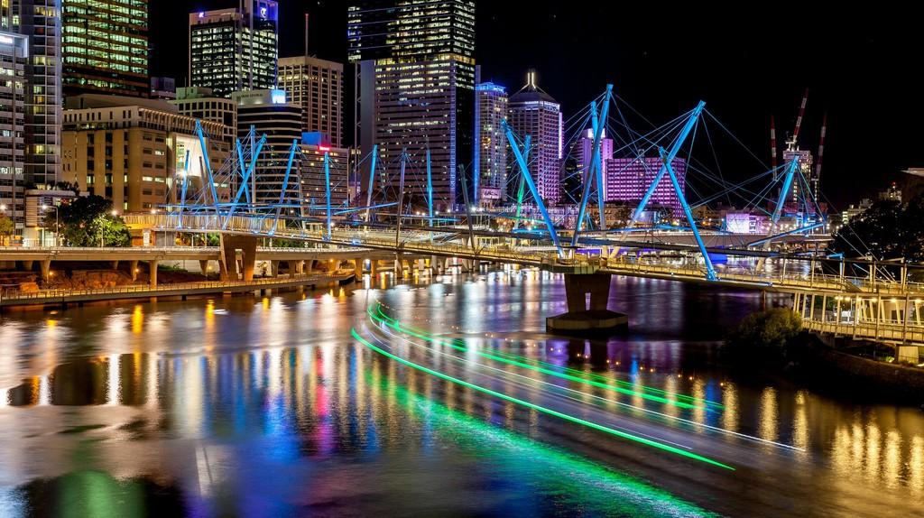 Brisbane River at Night © Flickr / Andrew Sutherland