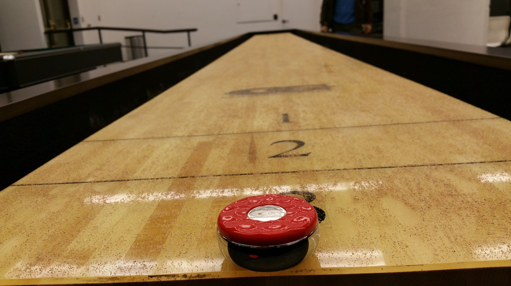 Shuffleboard is very popular in Stockholm | © Archie/Flickr