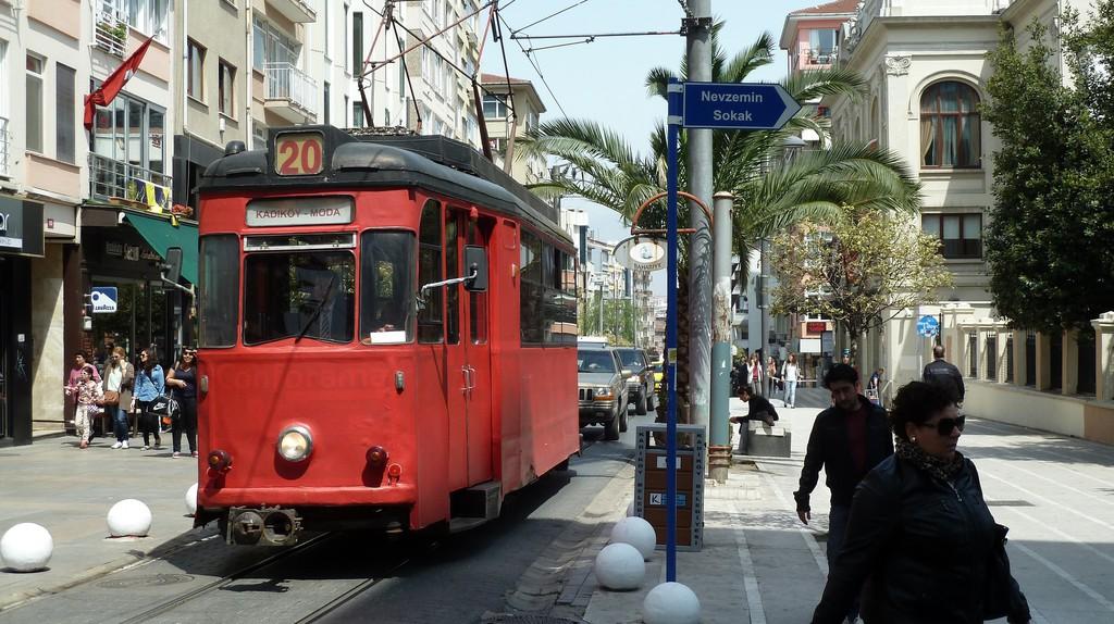 Moda Tram   © Michel Huhardeaux/Flickr