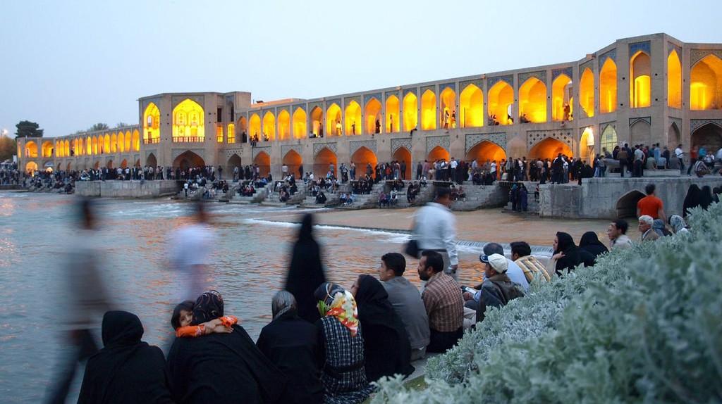 Khaju Bridge, Esfahan | © Morten Knutsen / Flickr