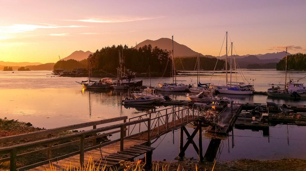 Sunset in Tofino |© Fyre Mael / Flickr