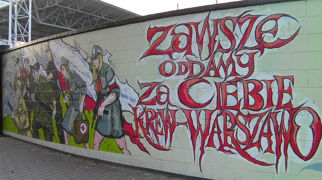 These Murals Prove That Warsaw Is an Art-Lover's Dream Destination