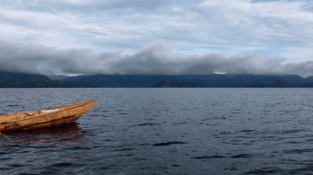 The boat to Cyuza's Island | © Leah Feiger