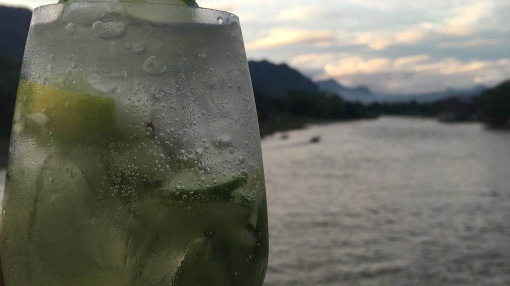 Drinks on the Nam Song | ©Regina Beach/Culture Trip