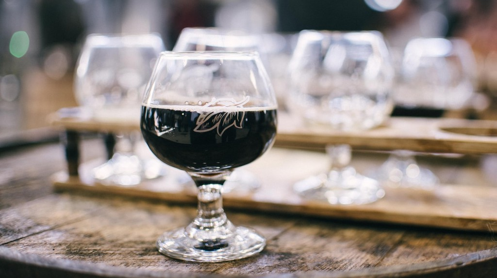 Dark Ale Unsplash | © Alice Donovan Rouse