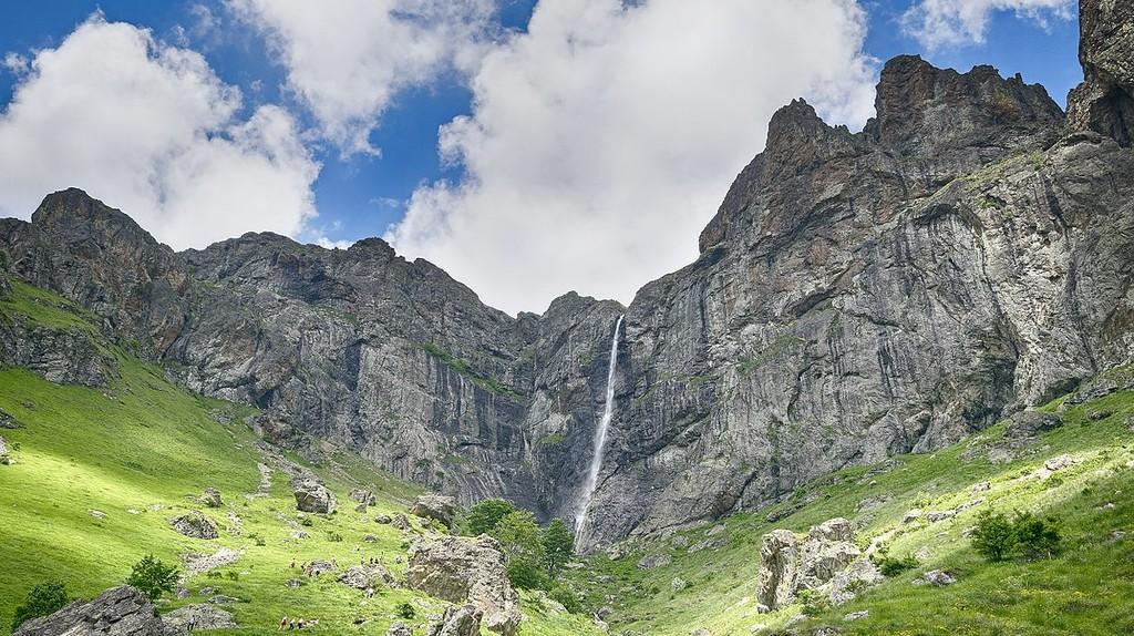 Raiskoto Praskalo Waterfall   © Phantomlord1978 / WikiCommons