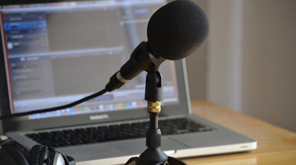 Podcasting equipment   © Nicolas Solop / Flickr