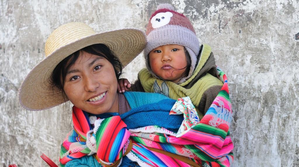 Bolivian mother   ©M M / Flickr