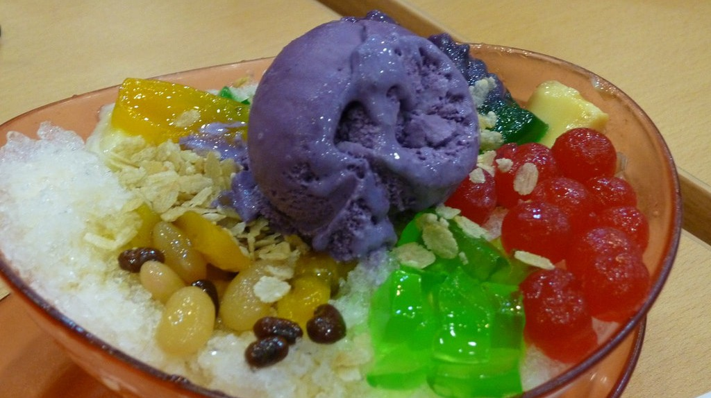 Chowking Halo-Halo | © punctuated / Flickr