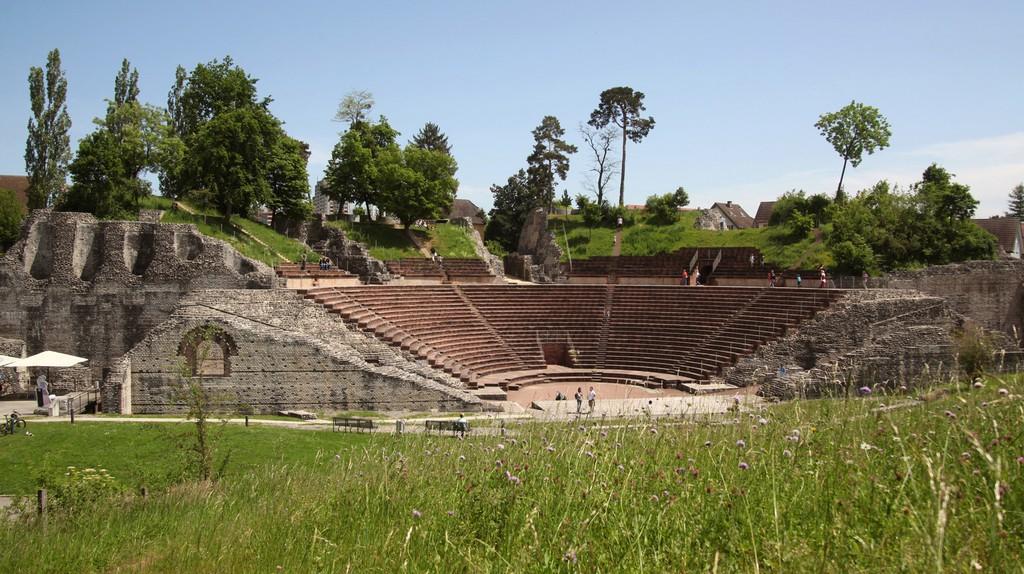 The Roman amphitheatre at Augusta Raurica   © Susanne Schenker / Augusta Raurica