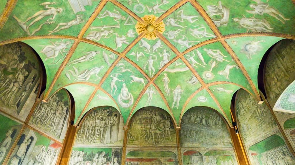 An exquisite decorative ceiling inside Castello Sforzesco | © Gimas/Shutterstock