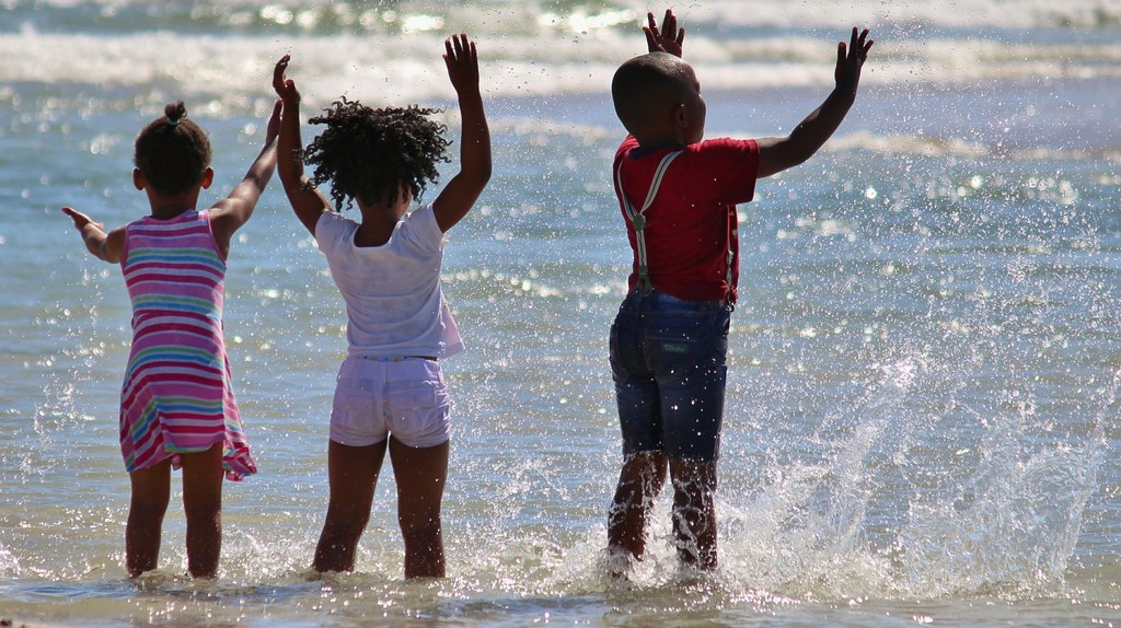 Children in the sea   © Counselling / Pixabay