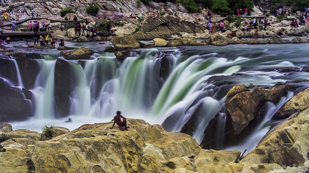 Dhuadhar Waterfalls, Jabalpur   © The.chhayachitrakar/Wiki Commons
