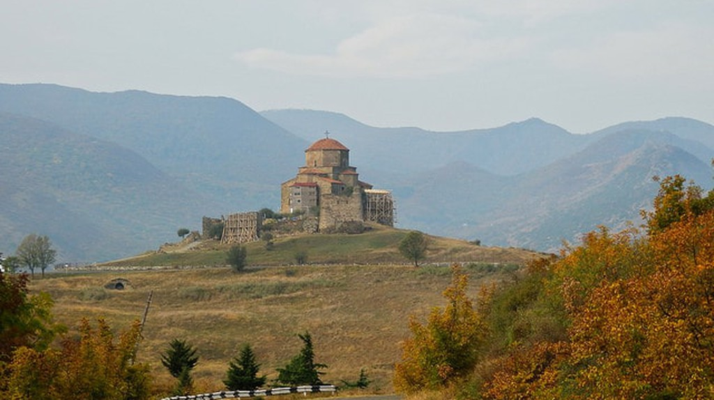 Jvari Monastery from far | © John Crane / Flickr