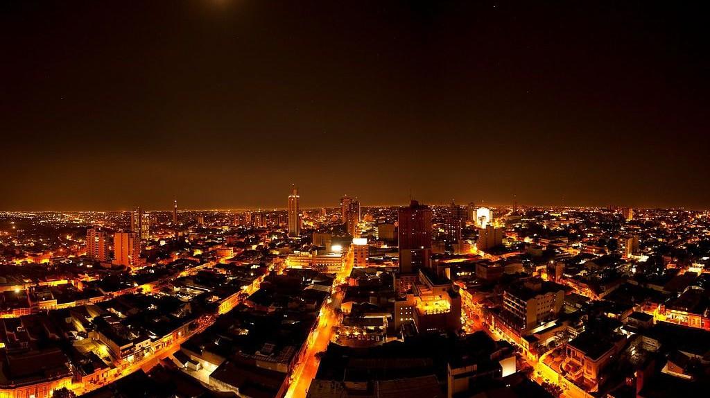 Asuncion at night | © Embajada de EEUU en Paraguay/Wikipedia