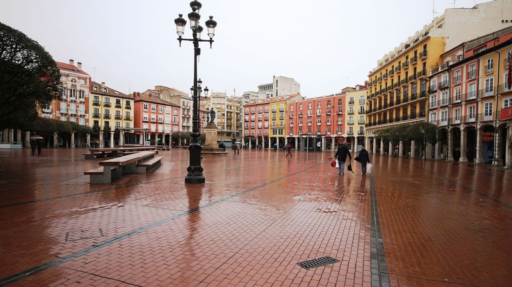 Burgos' Plaza Mayor in the rain