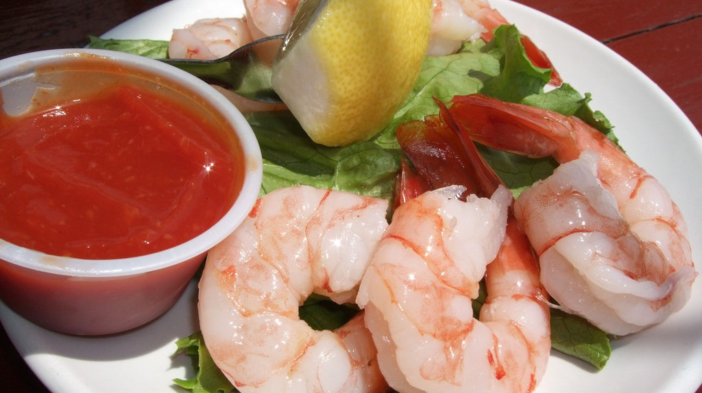 Shrimp cocktail | © thegirlsny / Flickr