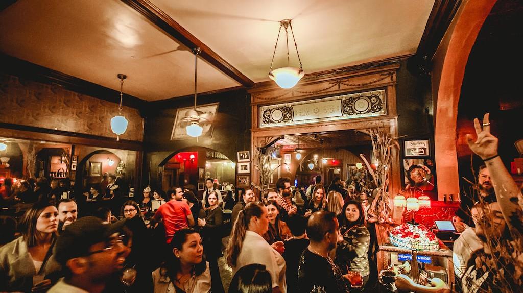 Shakers Cigar Bar