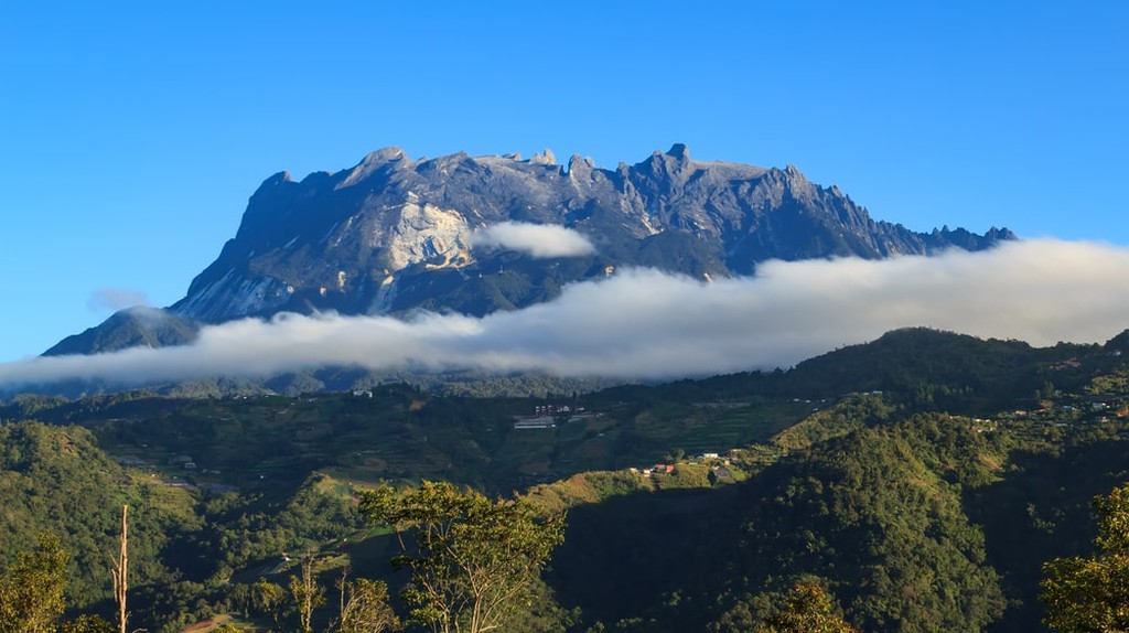 Plan and book in advance if you intend to climb up Mount Kinabalu