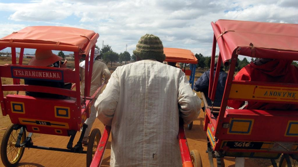 Pousse-pousse drivers in Antsirabe