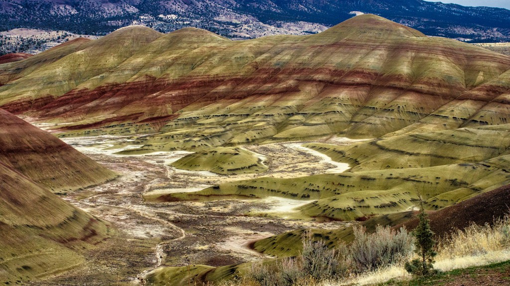 John Day Fossil Beds National Monument's breathtaking painted hills