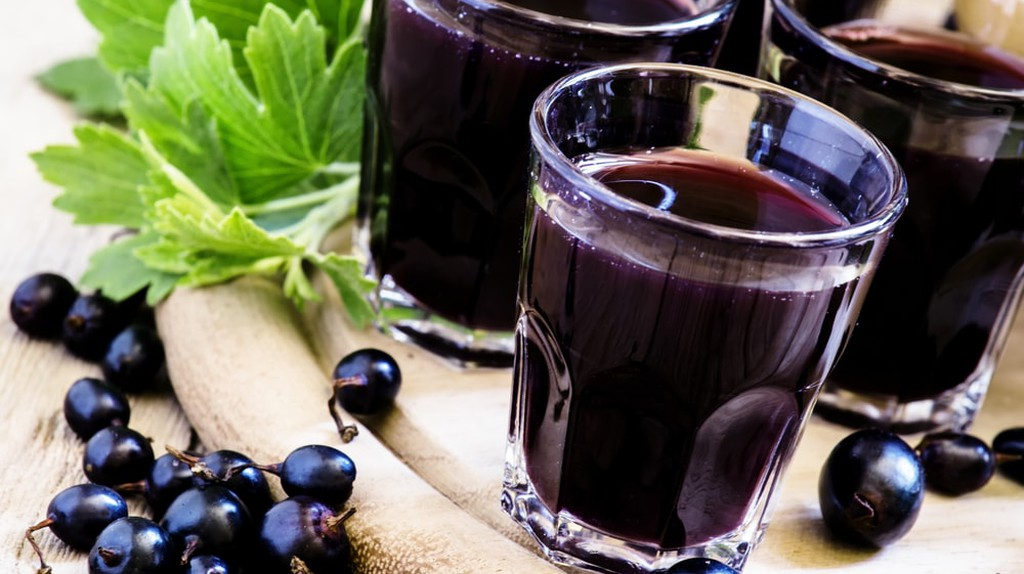 Crème de cassis is made from blackcurrants