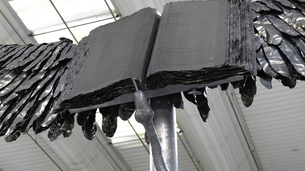 Anselm Kiefer, Uraeus (detail), 2017 - 2018. Lead, stainless steel, fiberglass, and resin. 298 1/8 x 441 x 346 1/2 inches, 757 x 1120 x 880 cm | © Anselm Kiefer. Photograph Georges Poncet. Courtesy Gagosian, Public Art Fund, and Tishman Speyer.