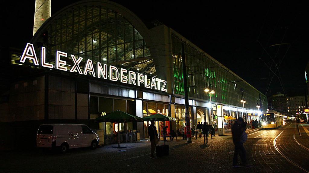 Alexanderplatz all lit up at night | © KlaireF/Flickr