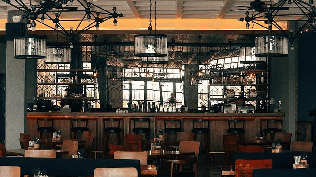 Canting Restaurant bar area