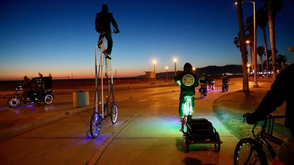 VELPers cruise the beachside bike path
